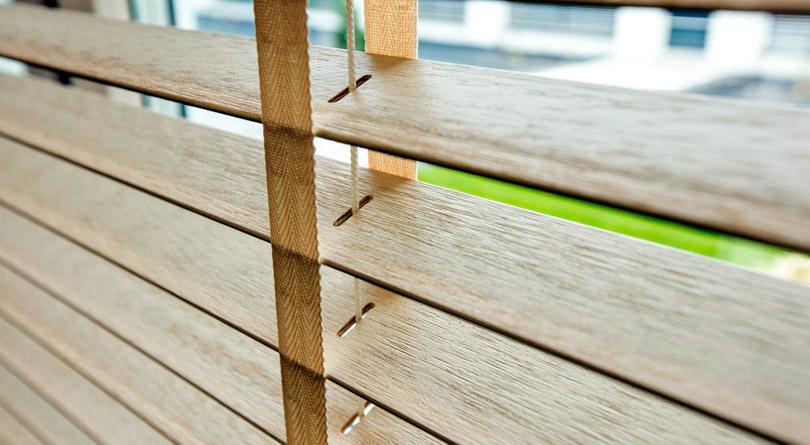 żaluzje drewniane, osłony drewniane, osłony z drewna, drewniane żaluzje, drewniane lamele, wooden horizontal blinds,