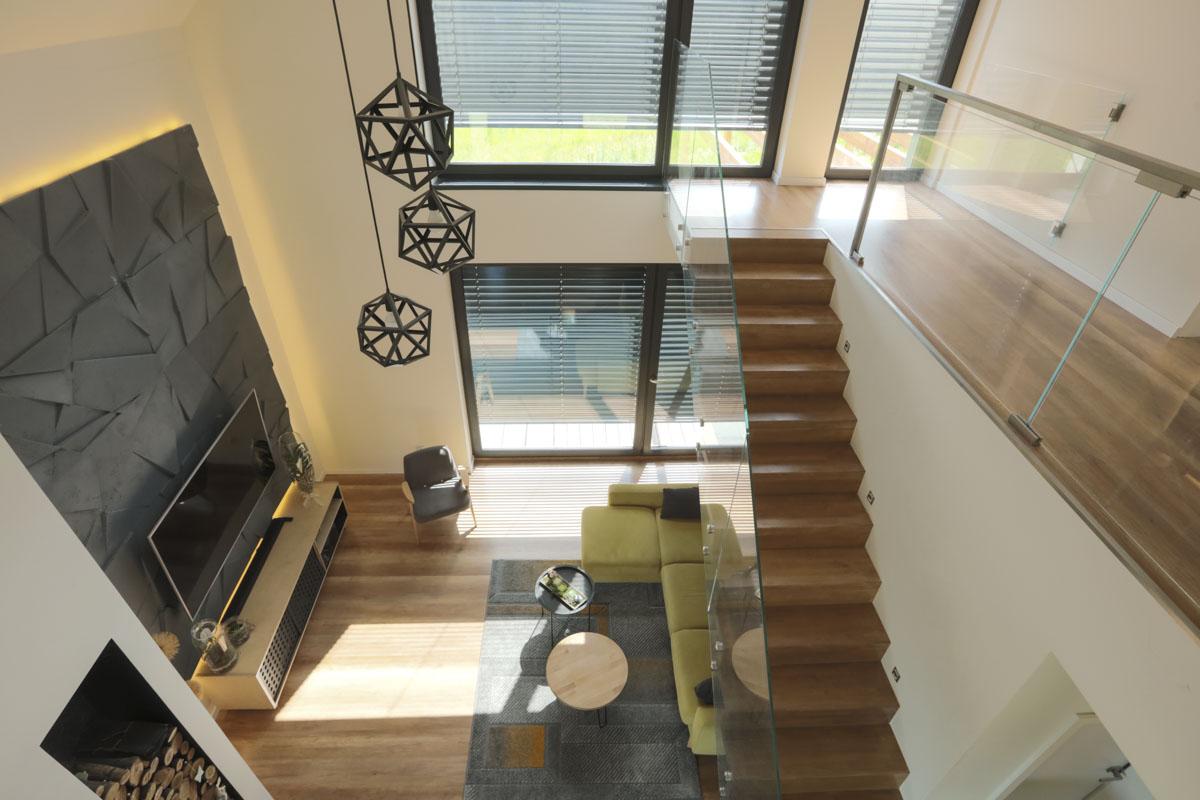 Żaluzje fasadowe wprowadzają wyjątkowy klimat wewnątrz pomieszczeń.